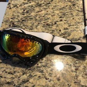 908ed690bc7 Oakley Accessories - Oakley A Frame Ski Goggles w extra lens!